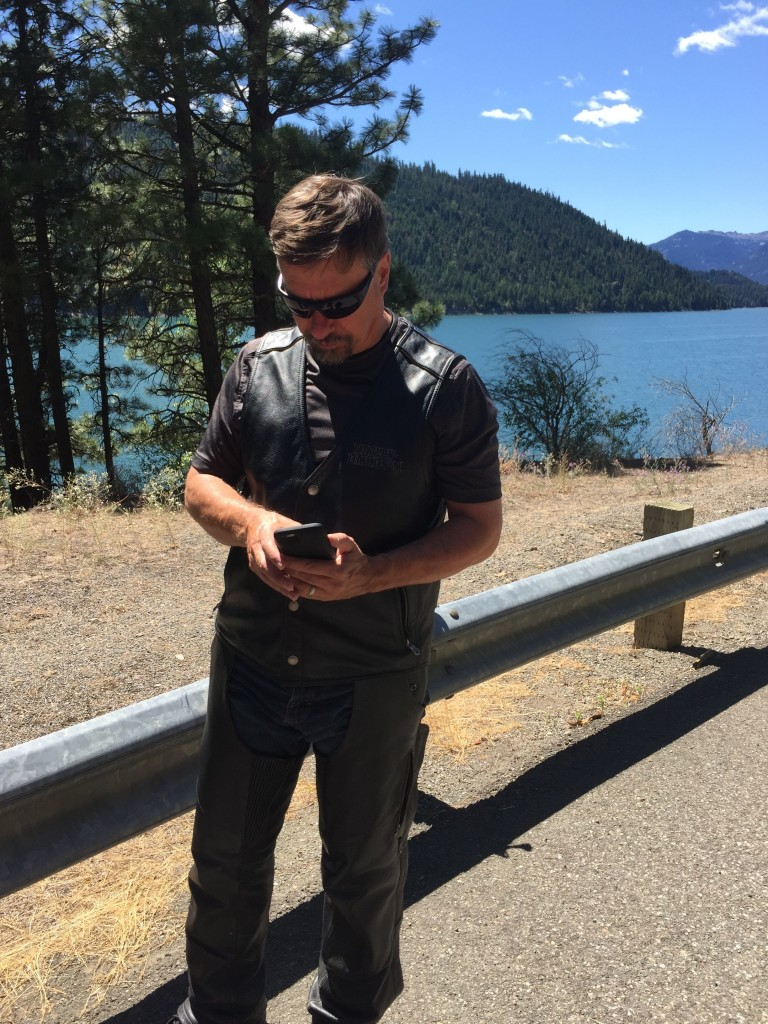 We are at the beautiful Rimrock Lake near Yakima and two jet fighters just blazed above the lake. So, what's Carl doing? Facing away from the lake and trying to see his screen to post photos when there is no service whatsoever.